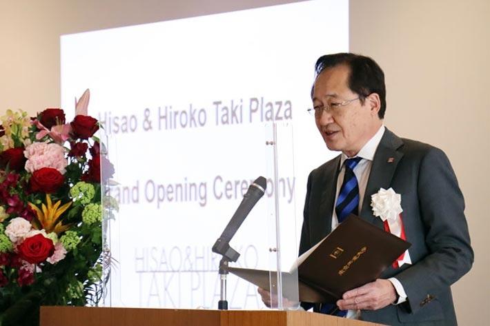 Tokyo Tech President Kazuya Masu welcomes guests