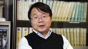 Professor Hideo Hosono Honored with the Excellence Award of Nikkei BP's Japan Innovators Award 2013