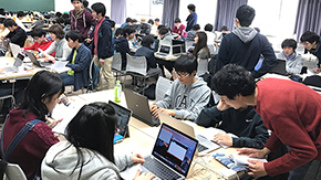 Digital creation club holds programming class from middle and high school students