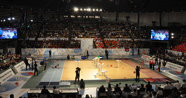 Game on at Ota City General Gymnasium, with Tokyo Tech in blue