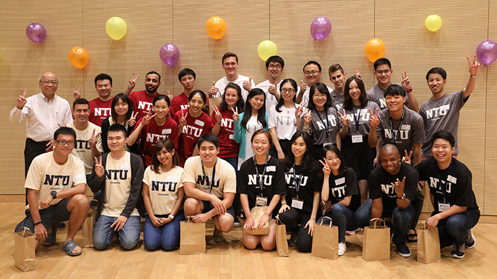 Student Workshop participants with 2017 ASPIRE League Chairperson and NTU, Singapore Vice President Er Meng Hwa (back left)