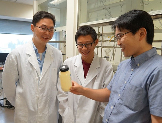 (From right) Prof. Tsuyoshi Michinobu, Aaron Tan, and his mentor Dr. Yang Wang