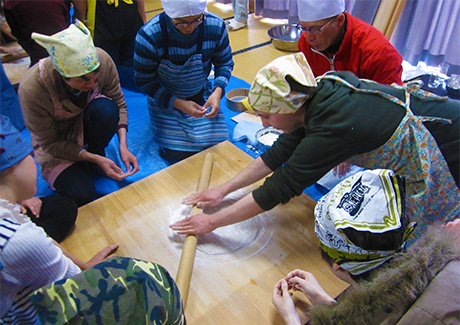Making soba noodles with local buckwheat flour