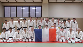 Judo Club members spar with Ecole Polytechnique counterparts