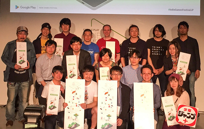 Ohmori (back left) and Gotoh (back, 2nd from left) with top 10 teams