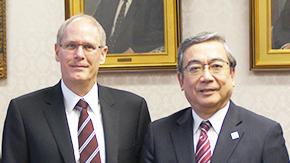 ブリティッシュ・コロンビア大学筆頭副学長が三島学長を表敬訪問