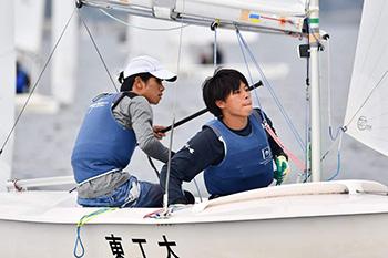 岡田(左)・鈴木(右)ペア