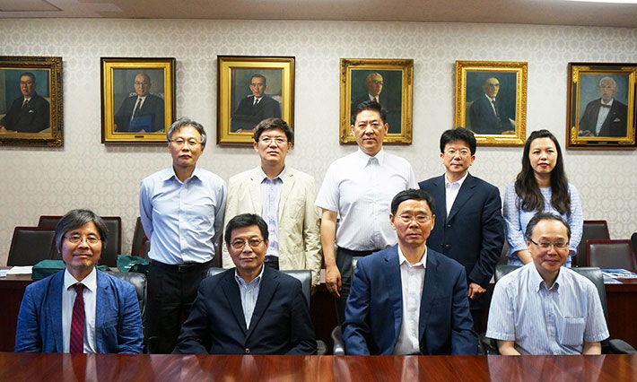 Executive Vice President Maruyama and President Guo (Front row center, left and right)