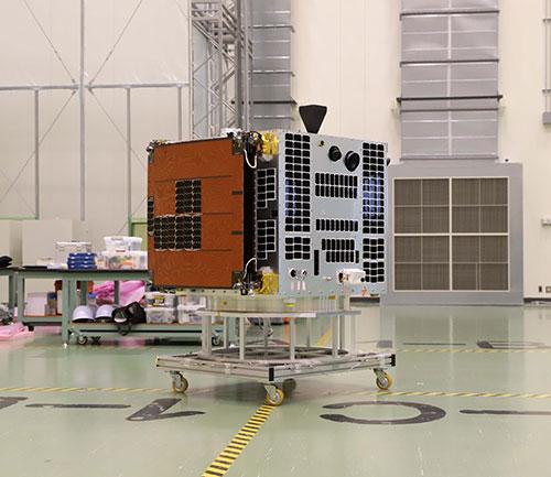 小型実証衛星1号機(RAPIS-1)(提供:JAXA)