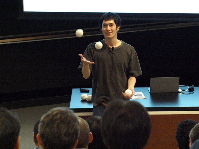 Asst. Prof. Masai's lecture on shapes in juggling